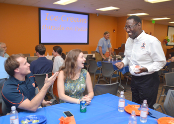 VCOM-Auburn Welcomes Class of 2021 to Campus