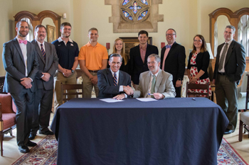 VCOM and Berry College Sign Articulation Agreement